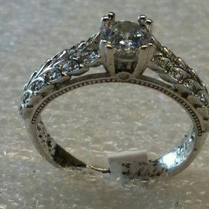 Jewelry - White sapphire in silver